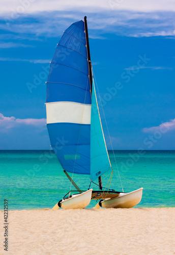 Żeglowanie na plaży na Kubie