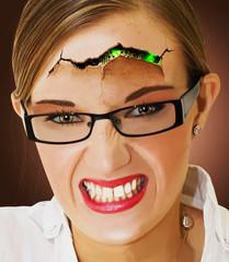 Portrait d'une femme cyborg
