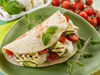 piadina with mozzarella, grilled zucchinis and tomatoes