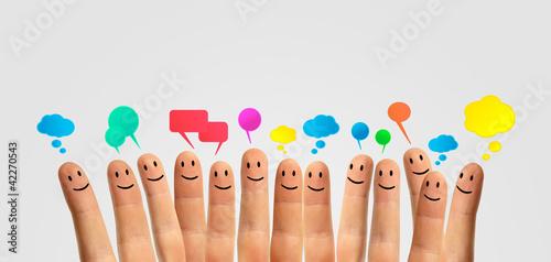 komunikować uśmiech palców