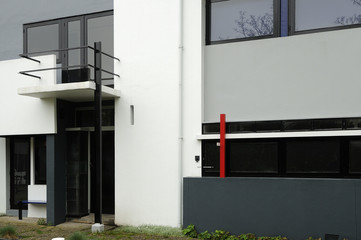 rietveld schroderhaus, windows and balcony