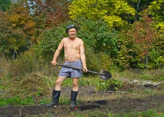 Man with spade 2