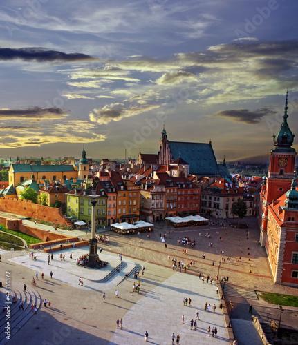 Plac warszawski i zachód słońca
