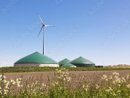 Leinwandbild Motiv Biogas Anlage und Wind Turbine