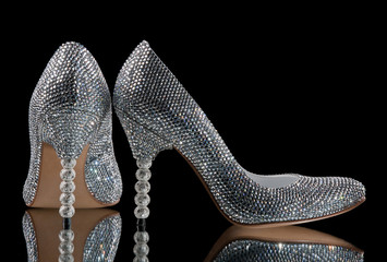 women's shoes inlaid with crystals