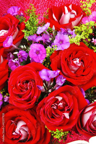 big bouquet of rose and pansy
