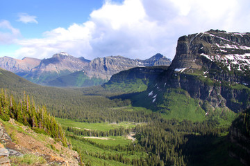 Scenic Logan pass in Glacier national park