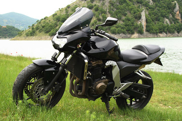 Moto nera