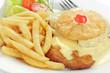 Schweineschnitzel Hawaii, Pommes frites