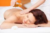 entspannende massage mit öl
