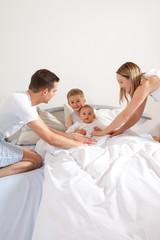Kinder ins Bett bringen