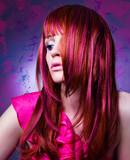 Fototapety Mädchen mit modischem Haarschnitt - haircolors 06
