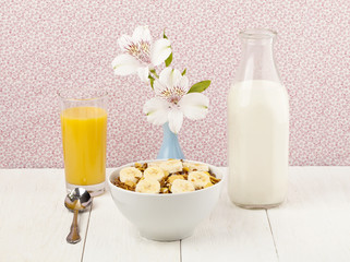 cereals with banana juice and  milk