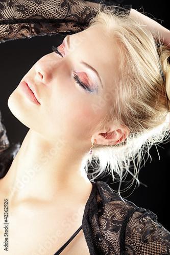 makeup blonde