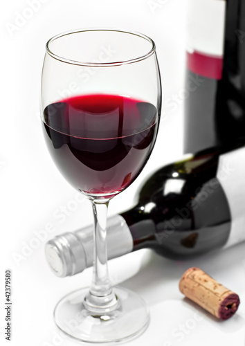 Red wine, isolated, white background