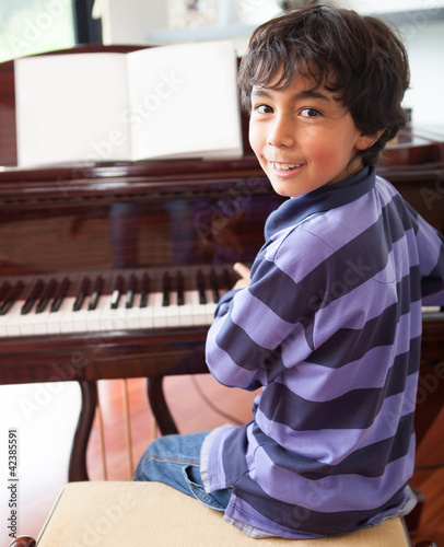 Boy the piano