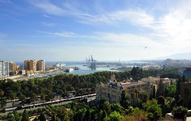 Ayuntamiento y puerto de Málaga