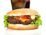 Cheeseburger mit Cola