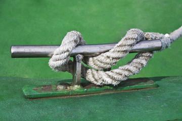 Nudo marinero en cornamusa