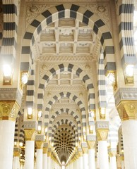Makkah Kaaba mosque indoors pillars decoration