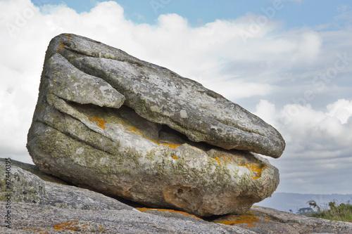 Roca con forma de ostra en la Illa de Arousa, Pontevedra
