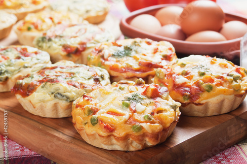 Mini quiche with vegetable