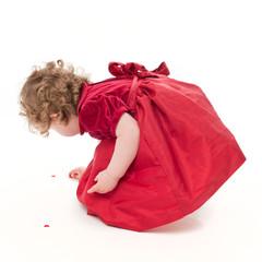Mädchen im roten Kleid