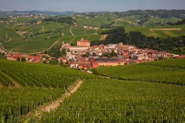 Comune di Barolo, Piemonte. Italia