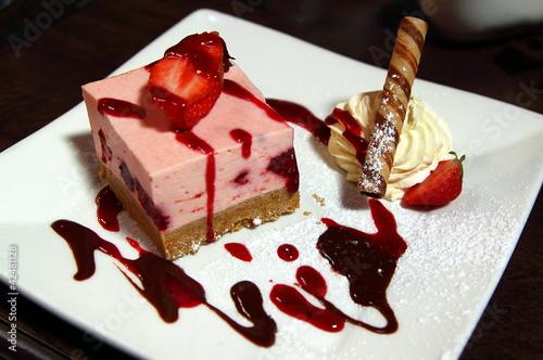Strawberries heesecake with cream