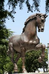 Statua di Bronzo all'ippodromo di Milano