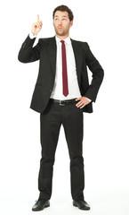 junger business mann zeigt erstaunt