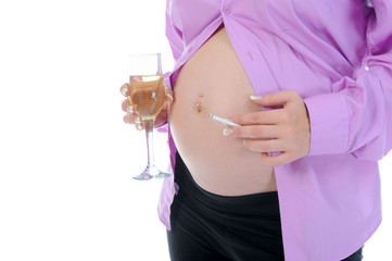 pregnant woman with cigarette