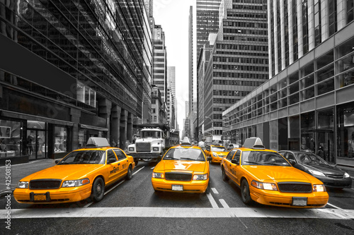 Fridge magnet TYellow taxis in New York City, USA.