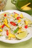 Ryz smażony z imbirem, mango i papryczką chili poster