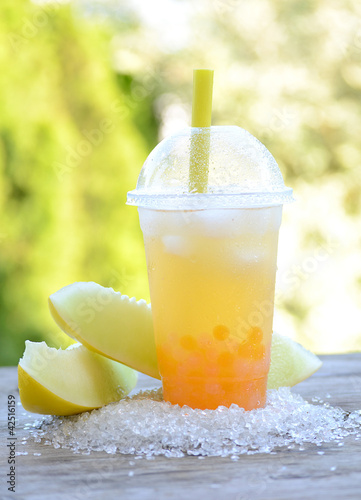 Bubble Tea Melone mit mixed Bobas