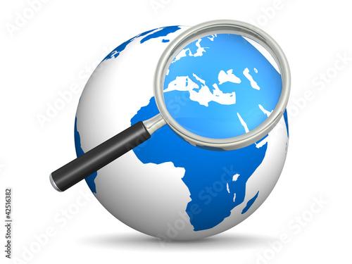 Globus mit Lupe und die Suche nach irgendwas