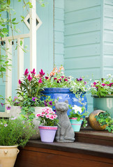 Garden shed and summer pots