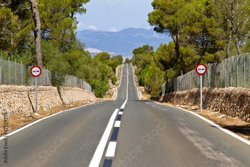 Leinwanddruck Bild Long Road