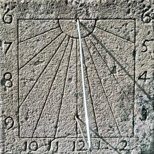 Sonnenuhr - Sundial - Cadran Solaire