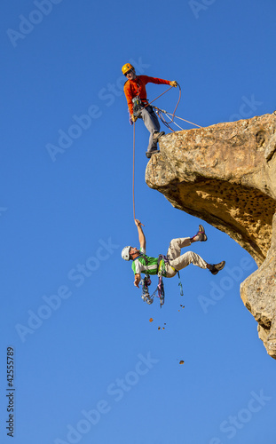 Falling climber saved by his partner.