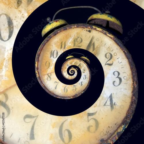 Leinwandbild Motiv Infinite Old Rusty Clock