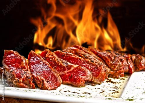 carne grelhada - 42573794
