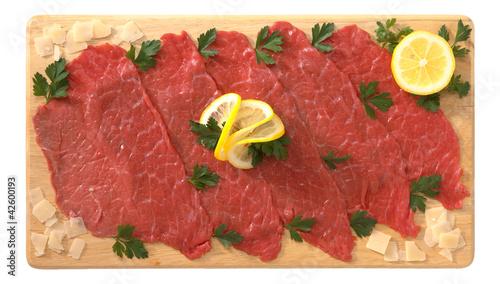 Carpaccio di carne di bovino