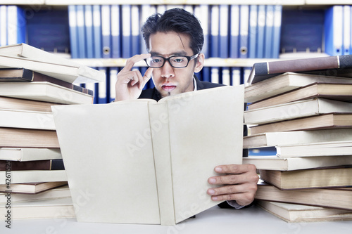 Analyzing business books
