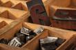 Setzkasten mit Blei- und Holzbuchstaben, hot type