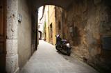 Fototapety small backstreet in an italian village