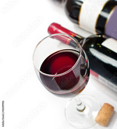 Red wine, isolated, wihite background
