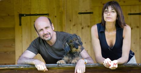 Famiglia in villa in montagna