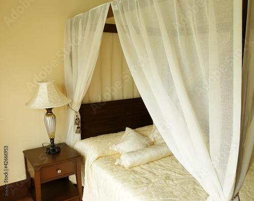 Bedroom in hotel. - 42666953