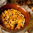 mycie grzyby miska kurki grzyb jedzenie gotowanie